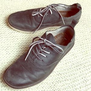 MERRELL Select Grip Granite Leather Laceup Oxford